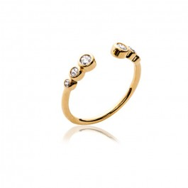 Gold platted ring with 6 white zirconium