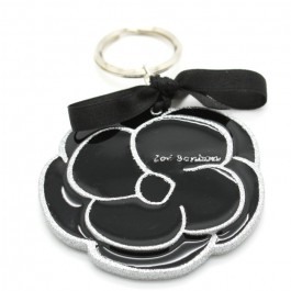 Black and silver Cameliaglitter keychain