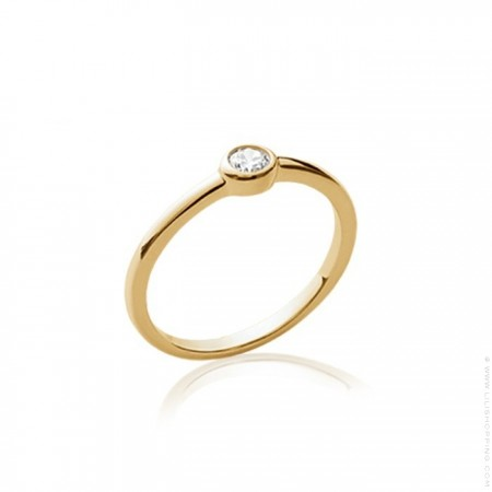 White zirconium gold platted ring
