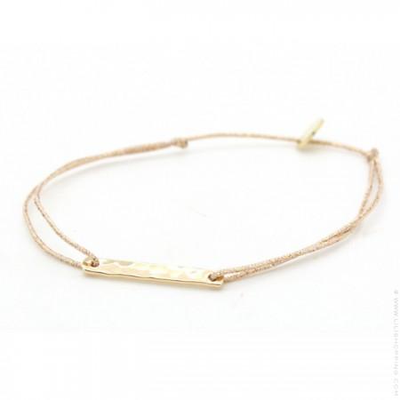 Gold platted hammered barre on a lurex Bracelet