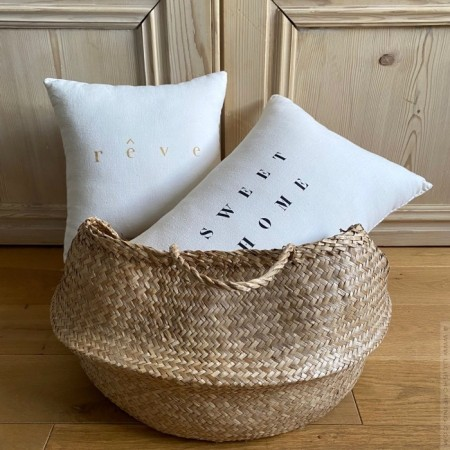 Square old white linen cushion Reve écru
