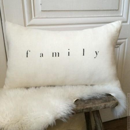 Rectangular linen cushion